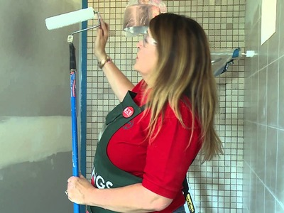 How To Paint With A Roller - DIY At Bunnings