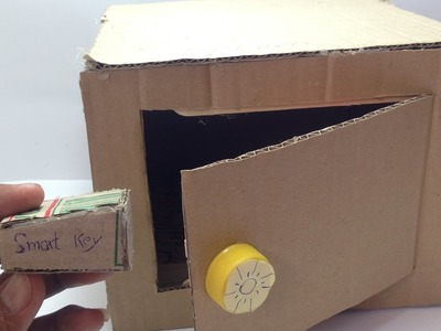 DIY Electronic Safe - Safe with Combination Lock from Cardboard