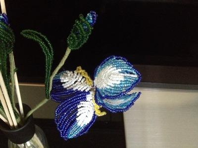 Schwertlilie aus Glasperlen. Teil 2.3. Beaded iris. Part 2.3.