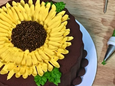 How to Make a Buttercream Sunflower Cake