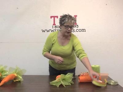 How to make a carrot door hanger