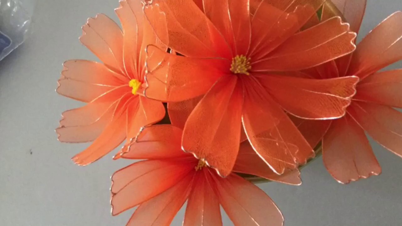 How to make nylon stocking flowers- cosmos