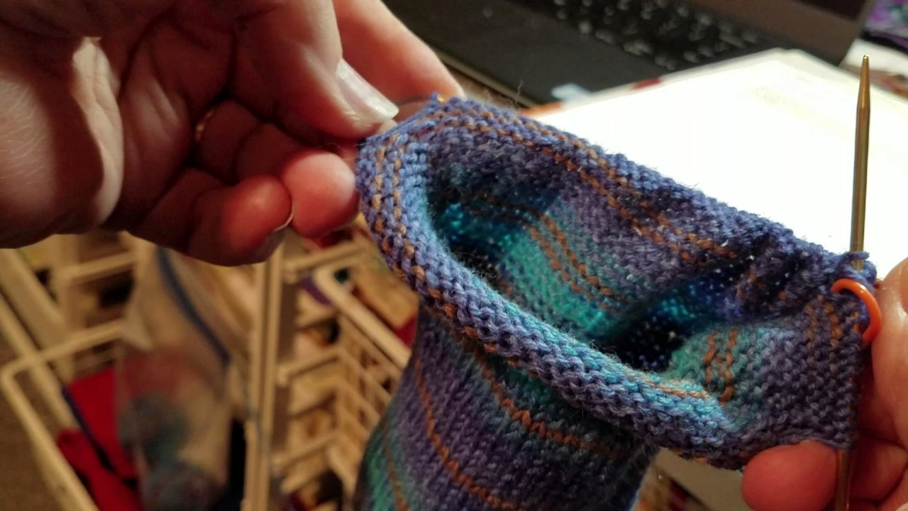 Knitting In The Round With Two Double Pointed Needles : Socks knitting heel cup and flap in