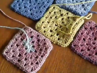 How to arrange your granny squares into purses and totes!