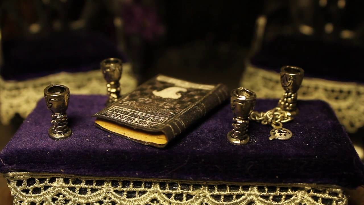 Gothic Shabby Chic Dollhouse | Nightfall Miniatures