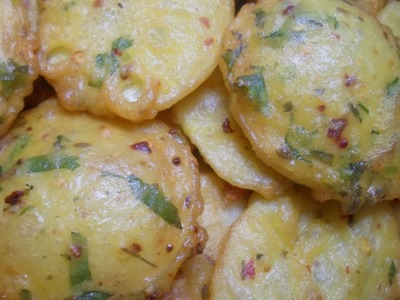 Aloo Ke Pakore Recipe By AAmna's Kitchen
