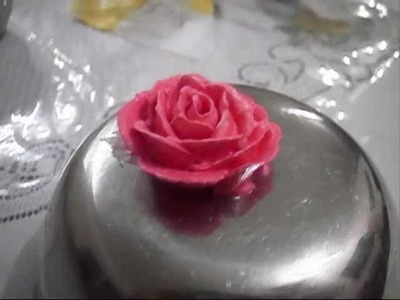 How to pipe a buttercream rose . fun & easY !