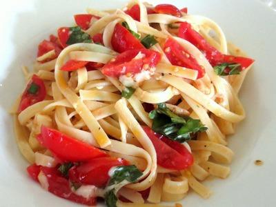 Easiest Pasta Recipe Ever (Pasta Alla Checca)- BenjiManTV