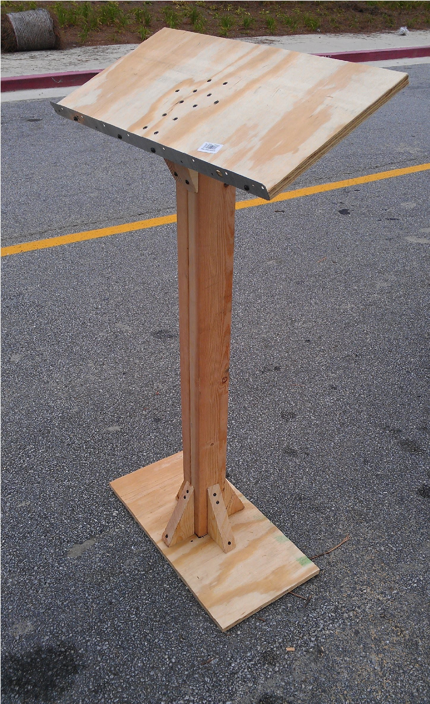 How to Build a Podium.Lectern for under $20.