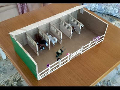 Making Ella's Schleich Barn. Stable and fences.