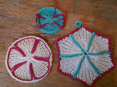 Potholder. coaster 6 how to do the embellishments? Crochet or embroidery