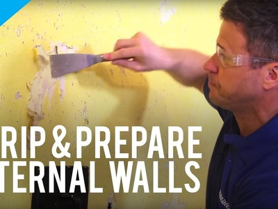 How to Strip and Prepare Internal Walls With Lining Wallpaper