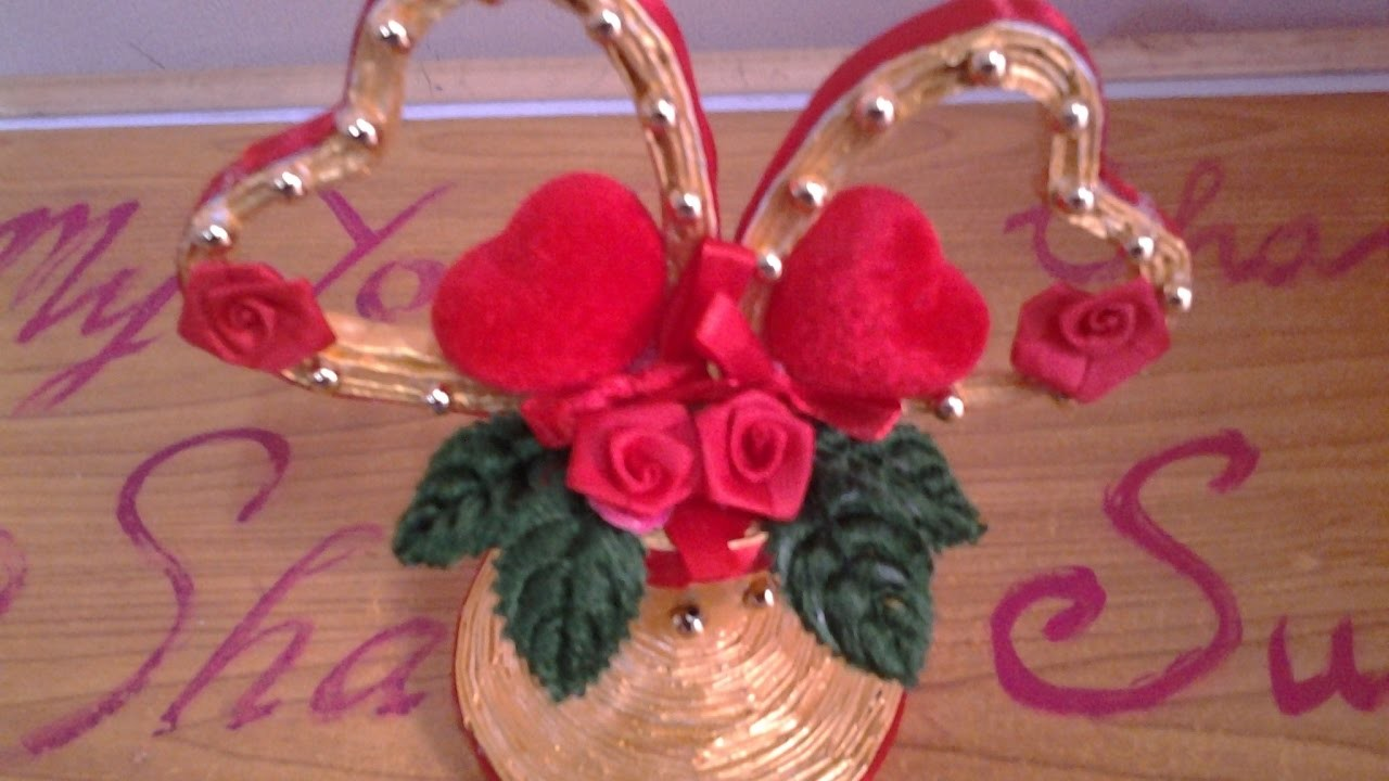 Best out of waste paper pretty heart showpiece for Best out of waste with paper