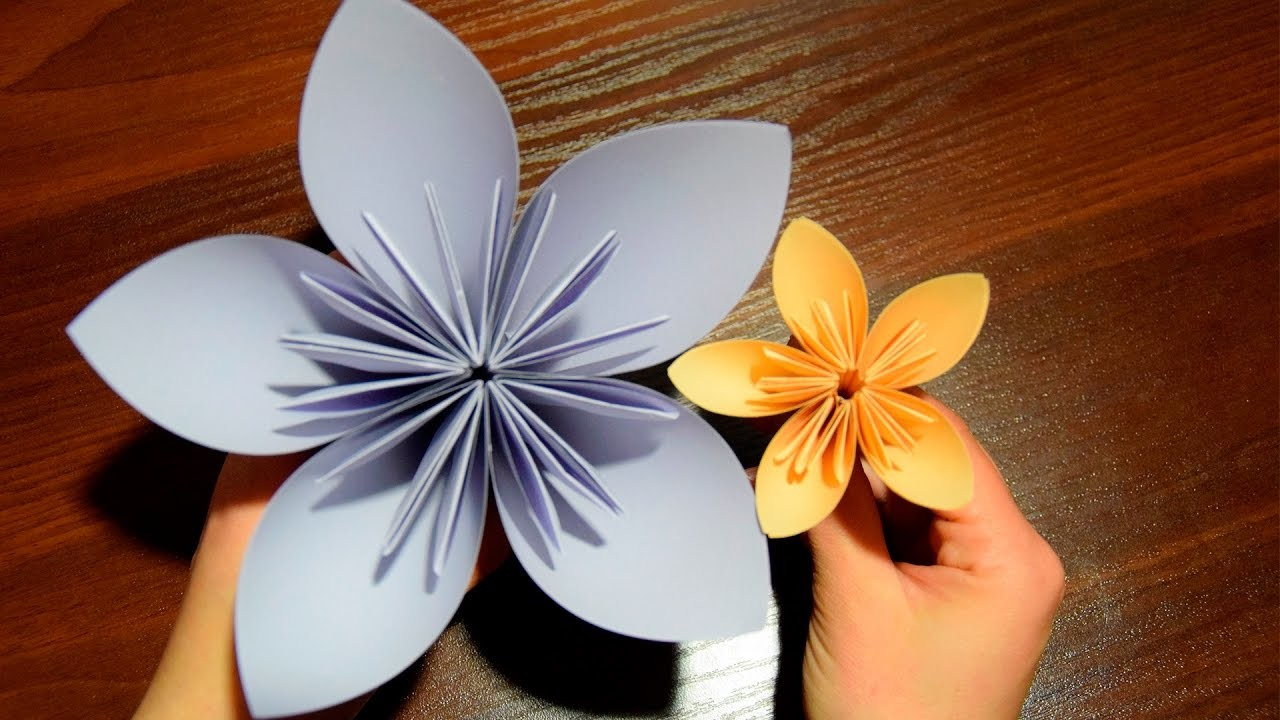 Flower of paper DIY Gift for Mom (Mother's Day)