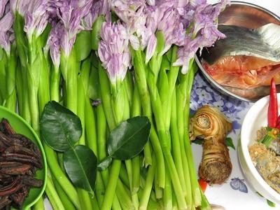 How To Make Somlor Machu សម្លម្ជូរ | Khmer Food Cooking at Home