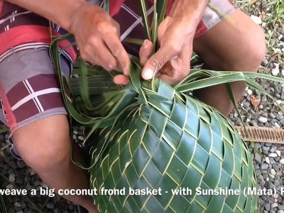 Cook Islands Holiday Guide - How to weave a Big Basket Prt 2