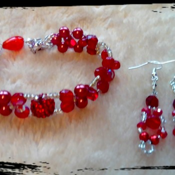 Red berry bracelet with matching earrings