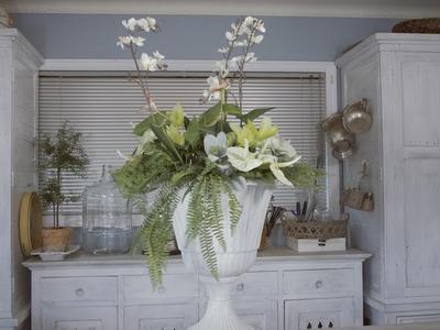 How to make a Pot-et-Fleur Floral Design: Fresh Flowers with Artificial Foliage