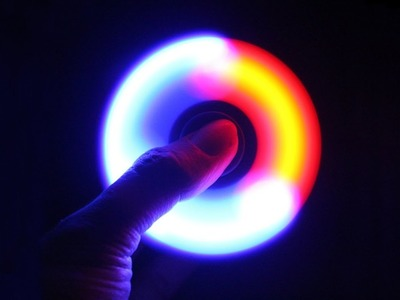 How to make Glowing SPINNER
