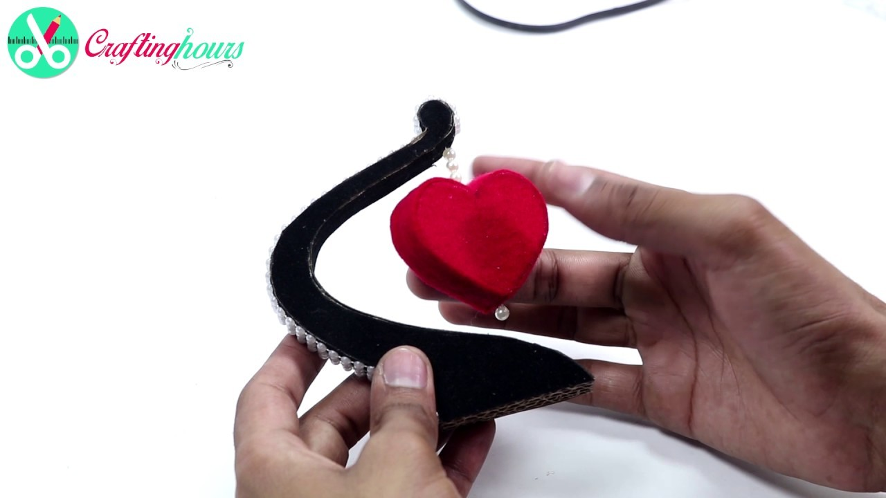DIY Friendship Day Gift Idea:  How to Make Heart Shape Showpiece for Your Best Friend