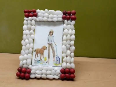 DIY: How to create a Photo Frame From Cardboard and Fish Aquarium Stones