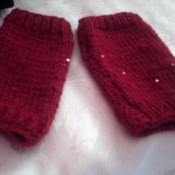 Ladies hand crafted frilly scarf & wrist warmers set