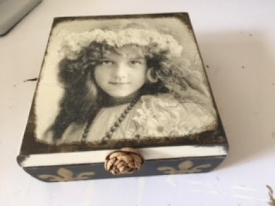 Caixa decorada vintage com decoupage. Decorated vintage box