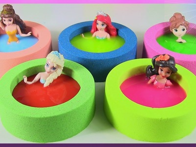 DIY Colorful HOT TUB time! Disney ELSA ANNA BELLE ELENA ARIEL In Kinetic Sand & SLIME Hot-Tubs