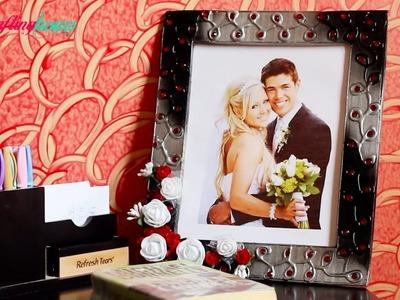 How to Make an Amazing Photoframe with Waste Cardbaord and Newspaper, DIY Wall Decor