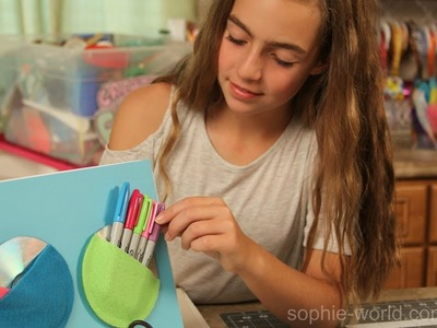 How to Make a Hanging Locker Pocket from an Old CD | Sophie's World