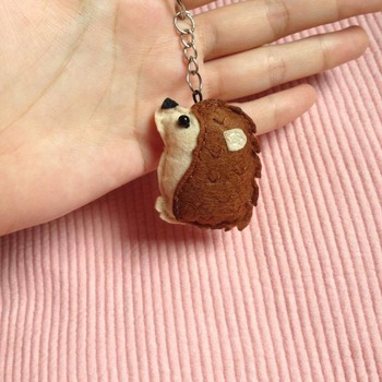 Cute Hedgehog Animals Stuffed Felt Key Chain Key Ring With or Without Colorful Personalised Words Beaded Craft Kids Friend Gift Toys