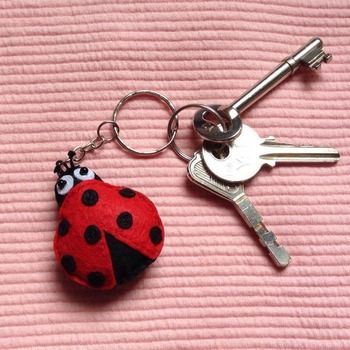 Cute Ladybug Animals Stuffed Felt Key Chain Key Ring With or Without Colorful Personalised Words Beaded Craft Kids Friend Gift Toys