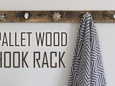 DIY | Farmhouse Pallet Wood Hook Rack for Towels, Clothes, & Bags!