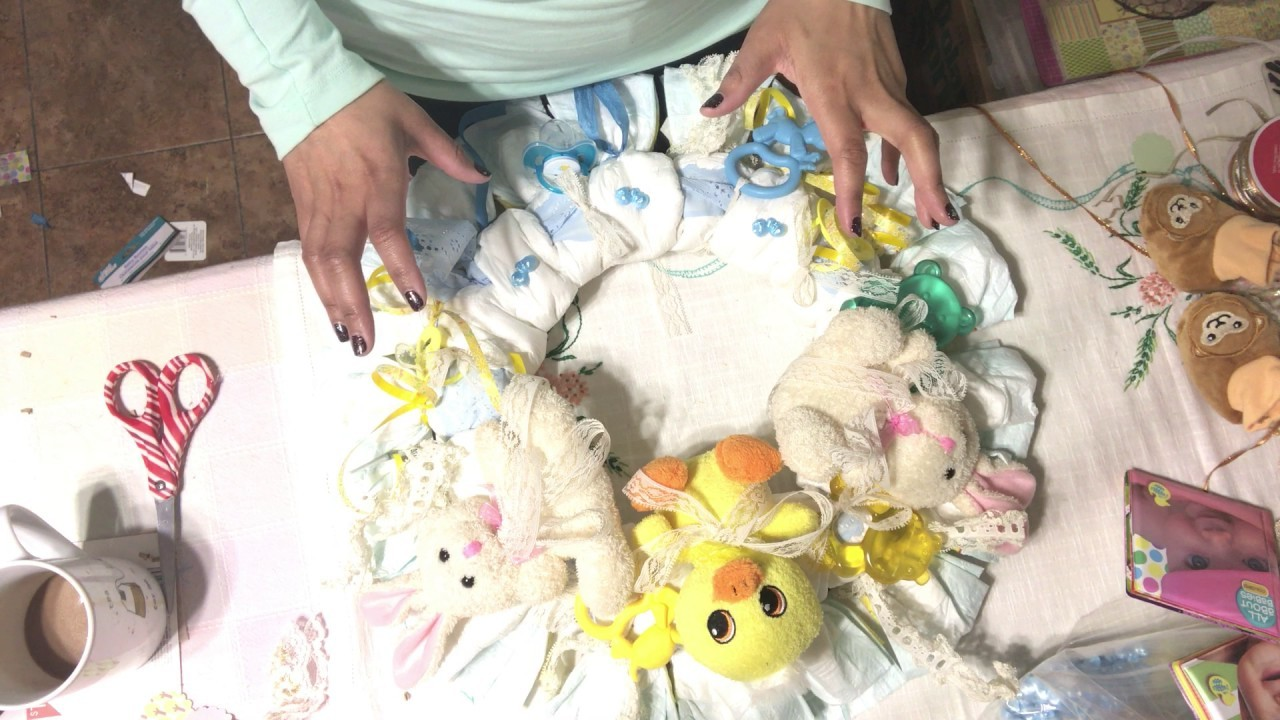Diy diaper wreath for baby shower project share my for Diaper crafts for baby shower