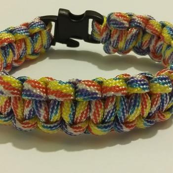 Multi colourede Paracord bracelet (Woven - M)