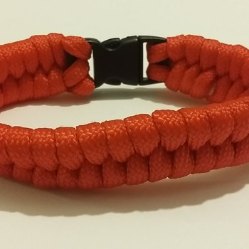 Red Paracord Bracelet (M)