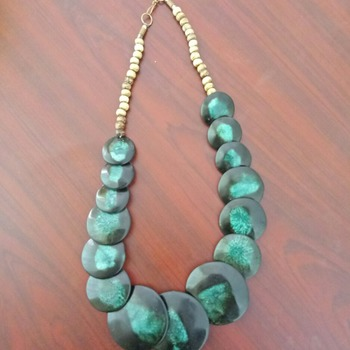 coral green necklace