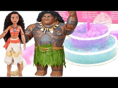 Disney Moana bakes cake to celebrate her Birthday w. Orbeez & Maui joins in on the fun! Learn Colors
