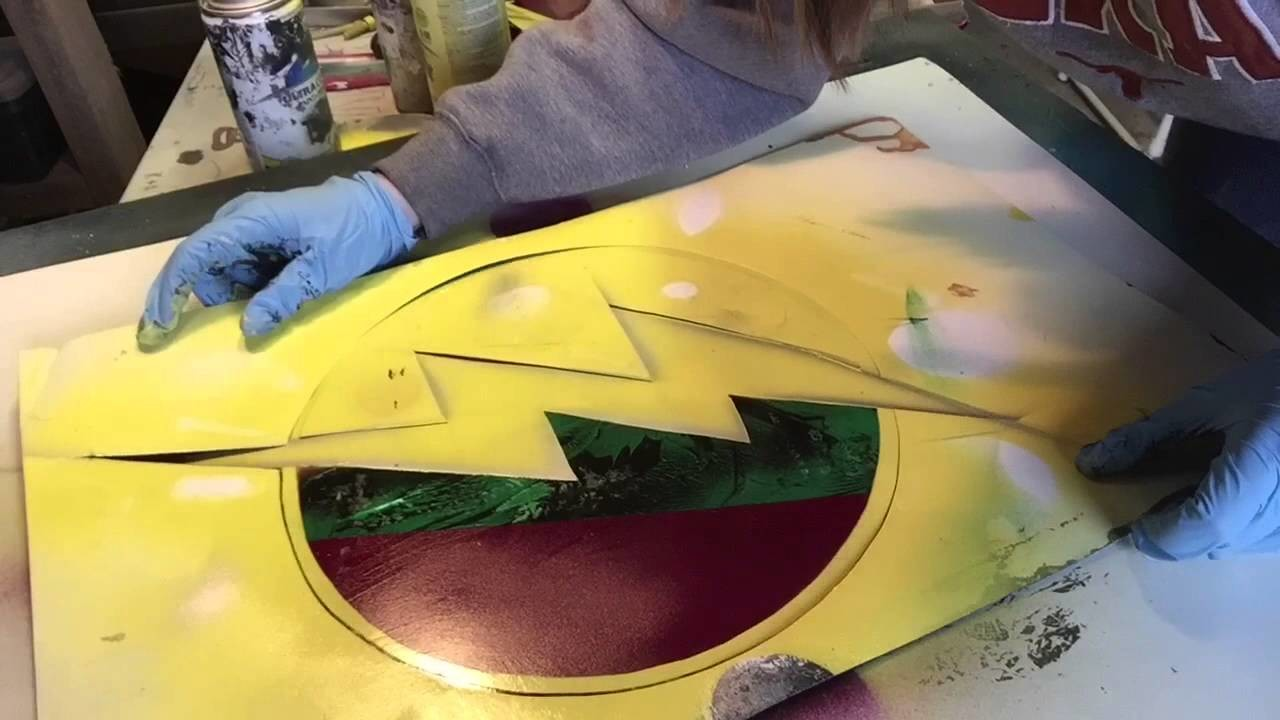 Spray paint art! The Flash and Arrow! Special request!