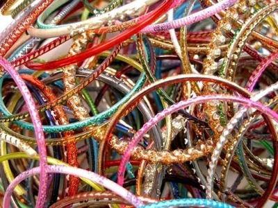 Waste bangles crafts