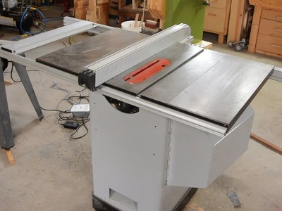 What's a hybrid table saw?