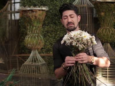 """DIY Pom Daisy and Wax Flower """"Pom Pom"""" Bouquet"""