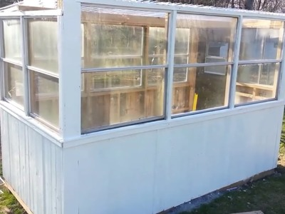 Building a greenhouse with old windows and pallets