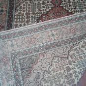 "4' x 5'10"" rug 122 x 180 cm"