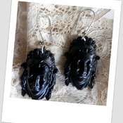 Black resin Earrings