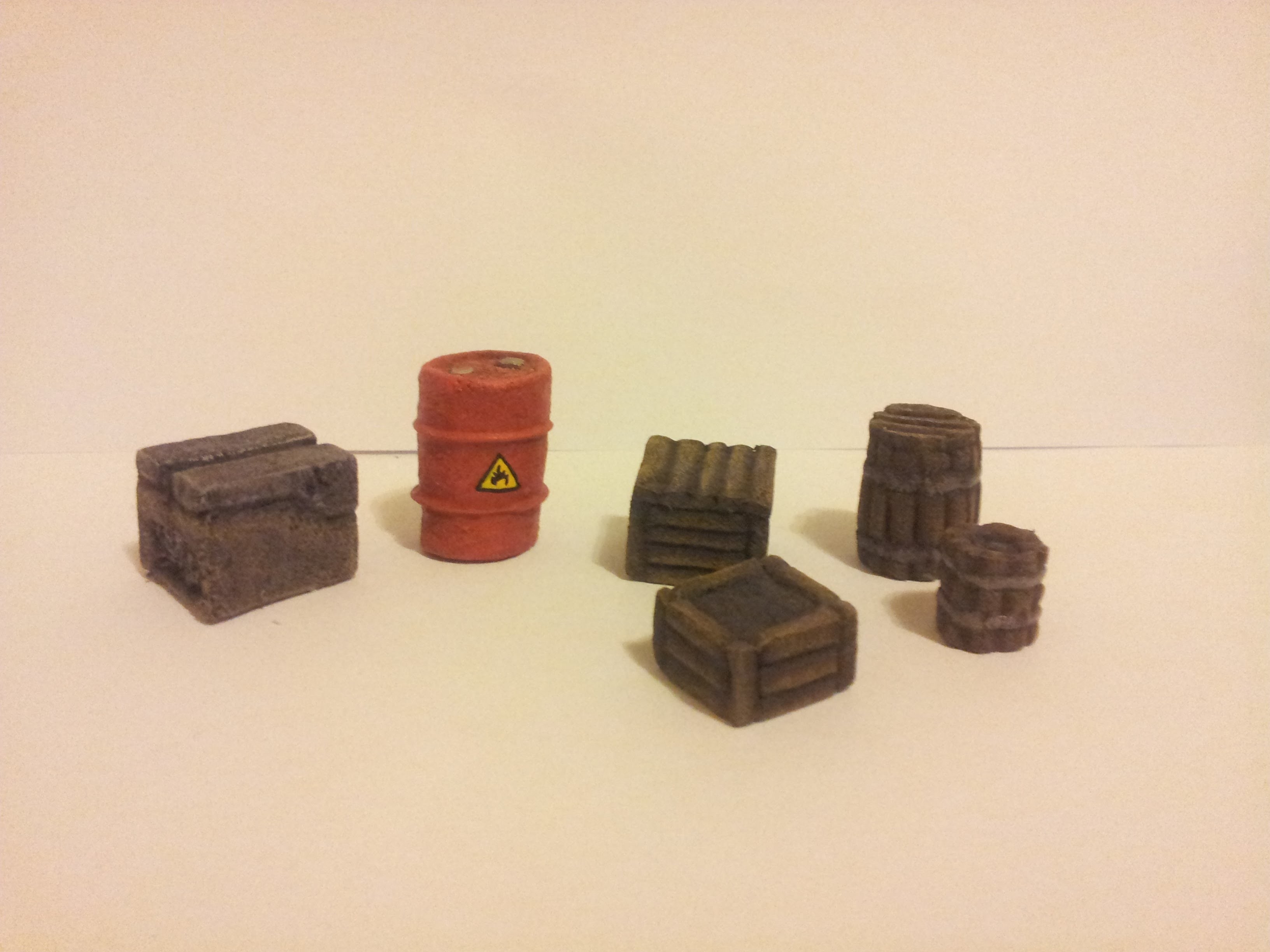 How to make simple wargaming boxes and barrels.