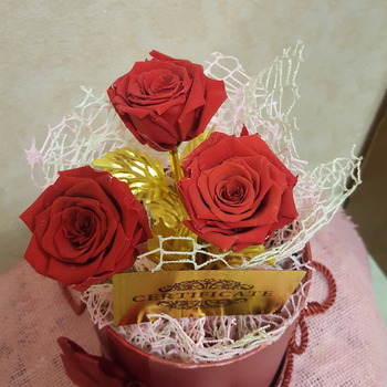 Eternal rose on a gilded stem bouquet