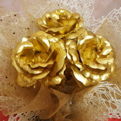 Gold foil rose bouquet
