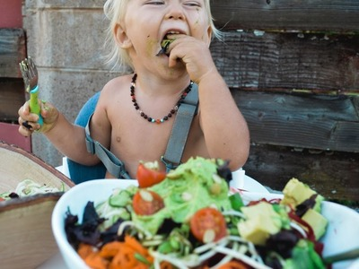 What my VEGAN BABY ate today | RAW FOODS in Hawaii