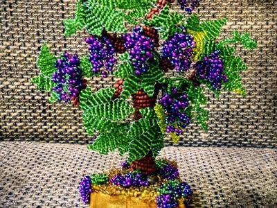 How to make a grape tree with beads